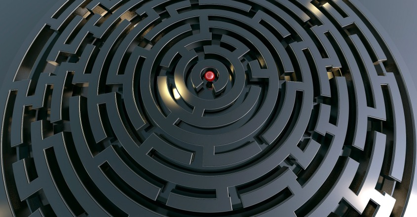 labyrinth-2037903_1920